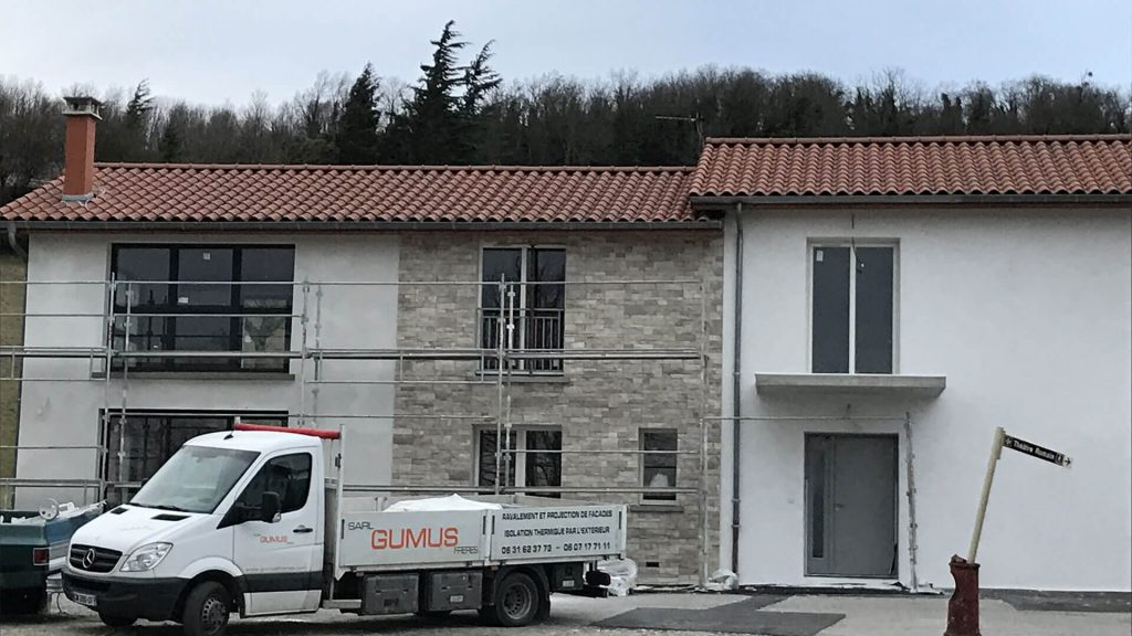 renovation-de-facades-bourgoin-jailleu
